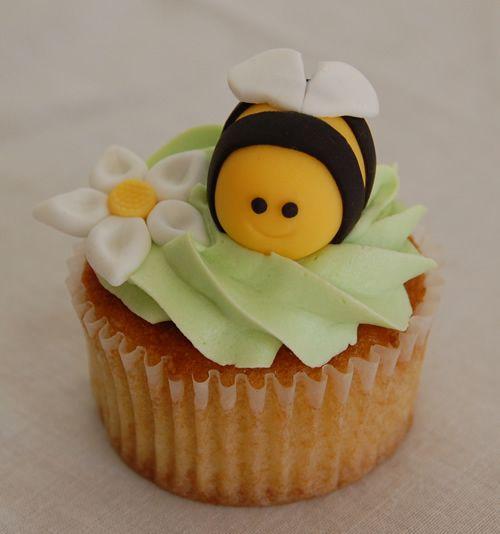 Fondant+Icing | Kids Lessons - Cupcake Decorating Advanced - Using Fondant Icing