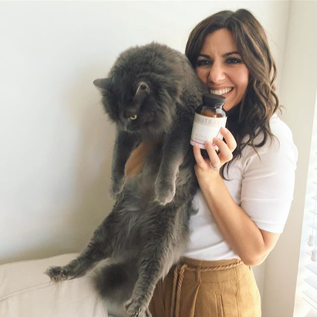 It's been almost 2 months and Roxanne's hair is SHINY and strong and growing like weeds! She's been using her gifted Nutrafol Dietary Supplement so she can look as fluffy as her cat Elwood! Products were gifted as part of the Preen.Me VIP program together with Nutrafol. #HealthyHair
