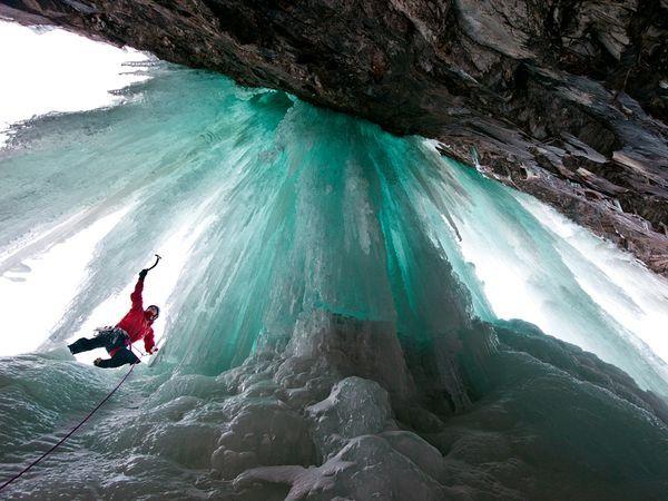 ice climbing in Eidfjord, Norway