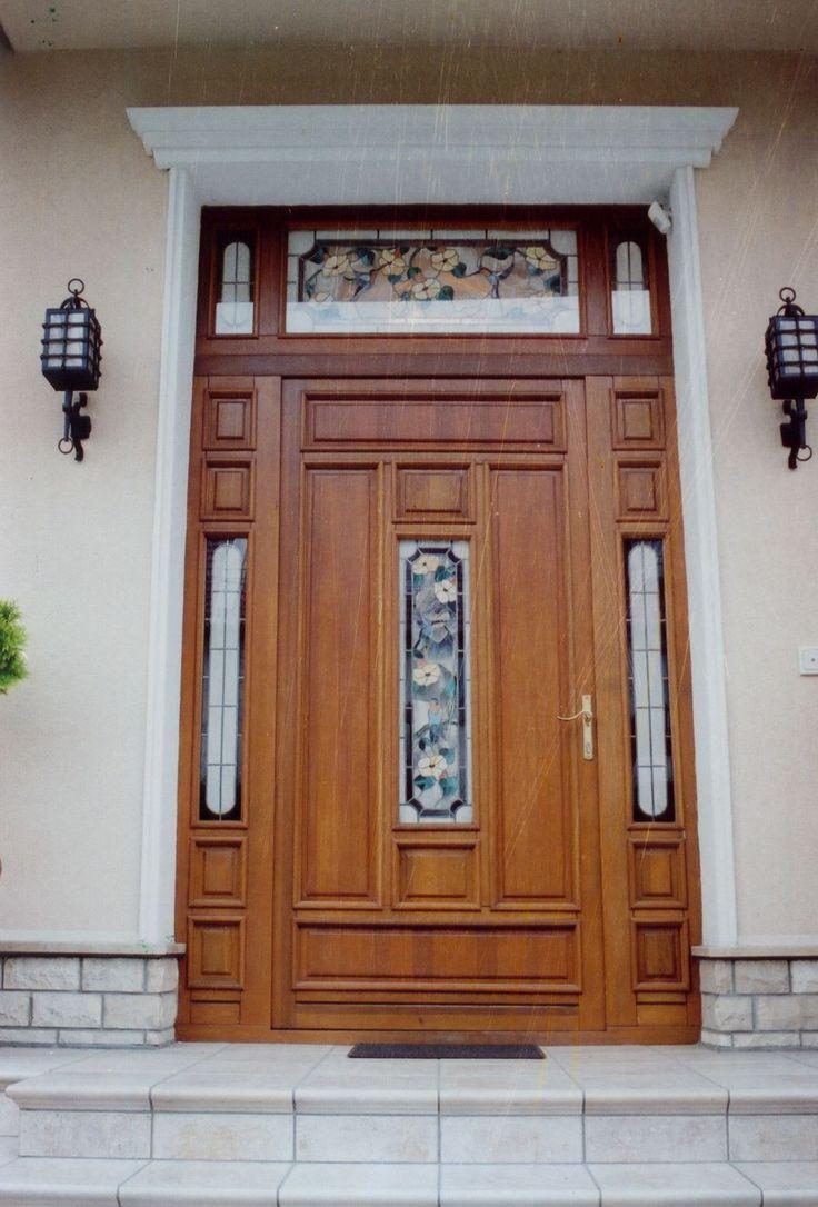 ólomüveges klasszikus bejárati ajtó, fix oldal-és felülvilágítókkal