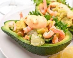 Avocats aux crevettes (facile, rapide) - Une recette CuisineAZ
