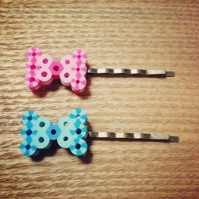 Pink and blue hairpins made out  striped perler beads by nun