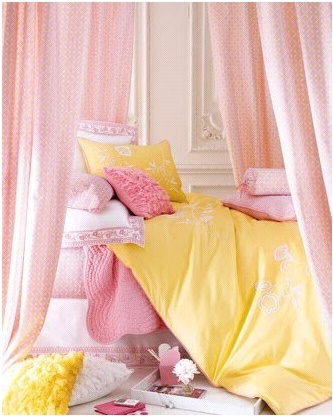 Pink and yellow bedroom la maison pinterest yellow bedrooms love the and pink for Pastel pink and yellow bedroom