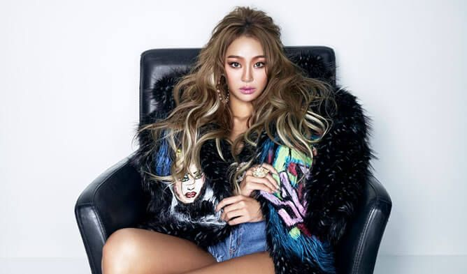 On September 9 in the evening, former SISTAR member Hyorin shared a handwritten letter to her fans on her personal Instagram. On her letter the singer decided to stand alone without her agency, Starship Entertainment.