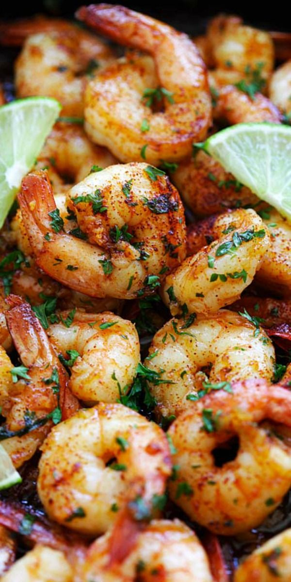 Chipotle Lime Shrimp – Skillet shrimp with smoky chipotle chili pepper, lime juice, honey and garlic. Takes 15 minutes to make and so delicious | rasamalaysia.com