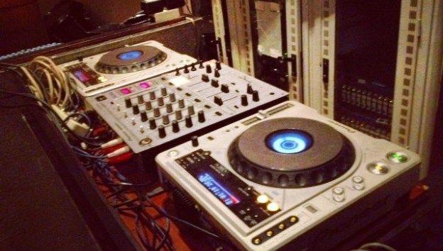Sewa Alat DJ dan Sound System Lengkap Jakarta