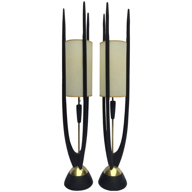 Pair of Tall, Slender and Sculptural Midcentury Table Lamps by Modeline - Tall and thin? Yes, please!