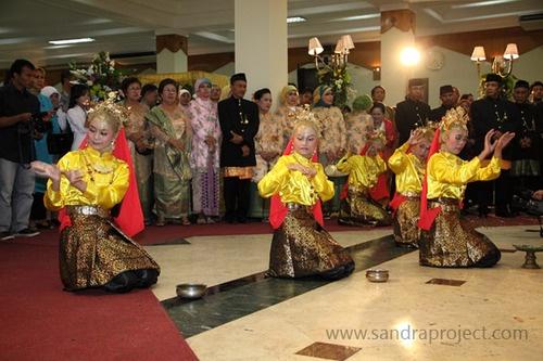 Tari Ranup Lampuan, adat Aceh