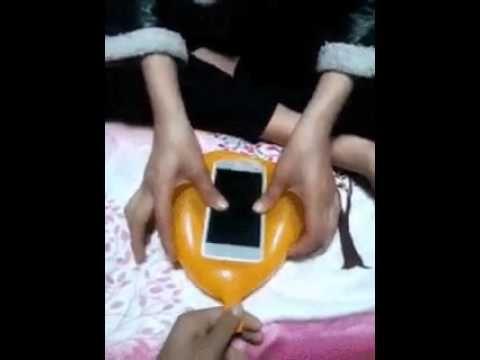 Θα παθετε πλακα! Φτιάξτε θήκη από ..μπαλόνι για το κινητό σας σε 10 δευτερόλεπτα - Daddy-Cool.gr