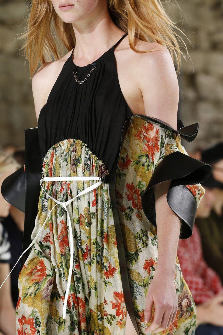 Louis Vuitton Spring 2018 Ready-to-Wear Accessories Photos - Vogue