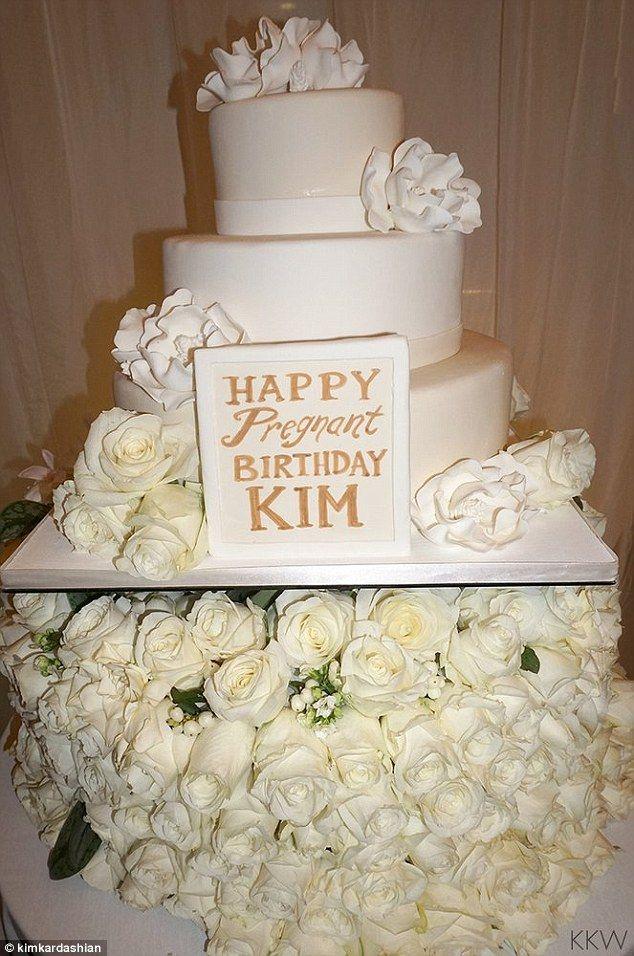 Vegas themed birthday - cake by Kim Leatherwood - CakesDecor