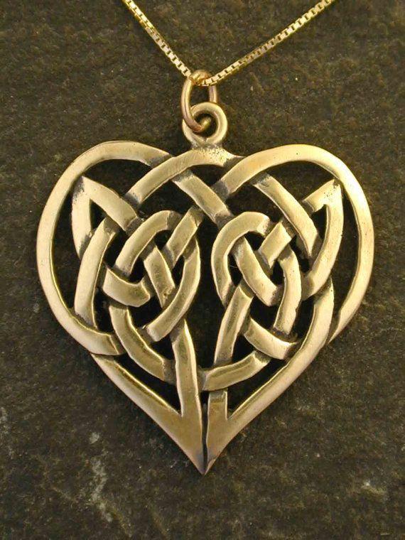 14K Gold Keltische knoop hart hanger aan een 14K gouden