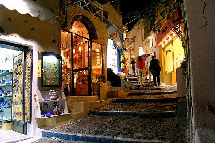 Walks around Fira! #Santorini