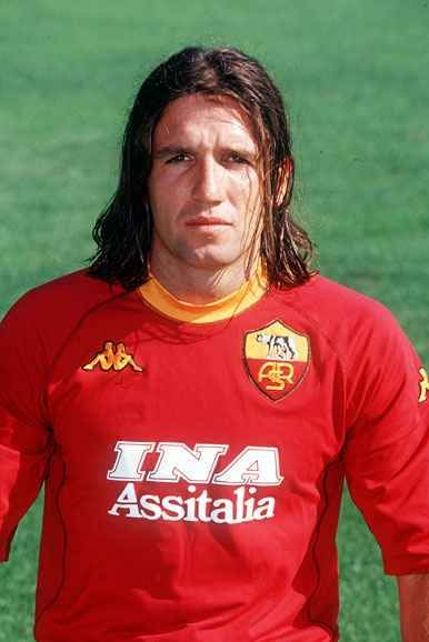 Vincent Candela (Bedarieux, 24 October 1973) – Although his arrival with met with scepticism, coming off the chaotic 1996/97 season, Candela quickly rose up the pecking order of Roma fans' most-loved players.He began to dazzle under the stewardship of Zdenek Zeman. He was good going forward with quick feet, able to get to the by-line, exchange passes with team-mates, or drift inside looking for one-twos or a shooting opportunity. then under Capello as he became a devastating wing-back