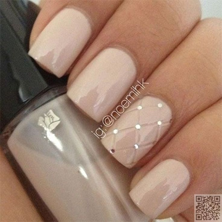 20. #Quilted Accent Nail - 45 #Flirty Spring Nail Art #Ideas for Nail Polish…