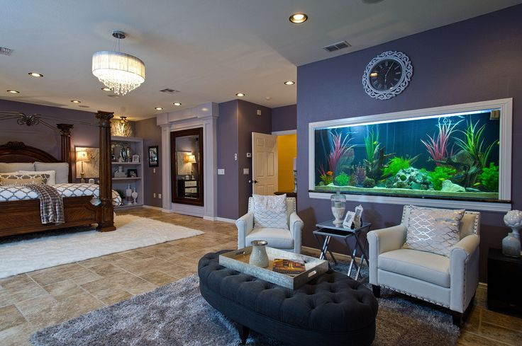 Gorgeous Master Suite, Separate sitting area.   Fresh water wall aquarium.