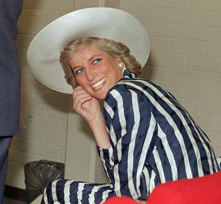 1988 Princess Diana during a visit to Melbourne.  via @AOL_Lifestyle Read more: http://www.aol.com/article/2016/06/29/princess-dianas-gravesite-is-getting-a-multimillion-dollar-make/21421568/?a_dgi=aolshare_pinterest#fullscreen