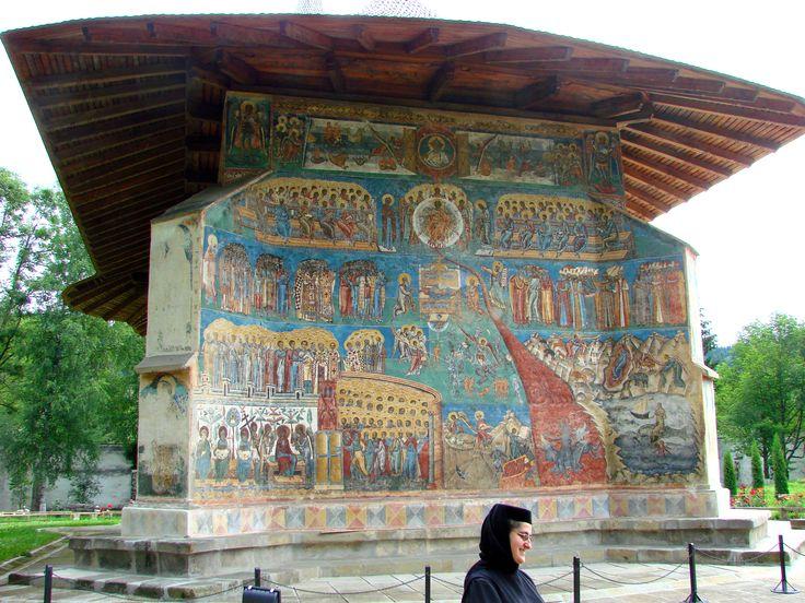 File:Voronet Monastery