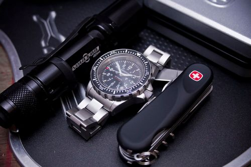Everyday Carry - EDC - Men's accessories Surefire Flashlight Stainless Steel Watch Swiss Army Knife