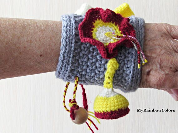 Twiddle Wristband Fidget Muff Sensory Blanket Alzheimer #wristband #twiddle #sensory #greymuff