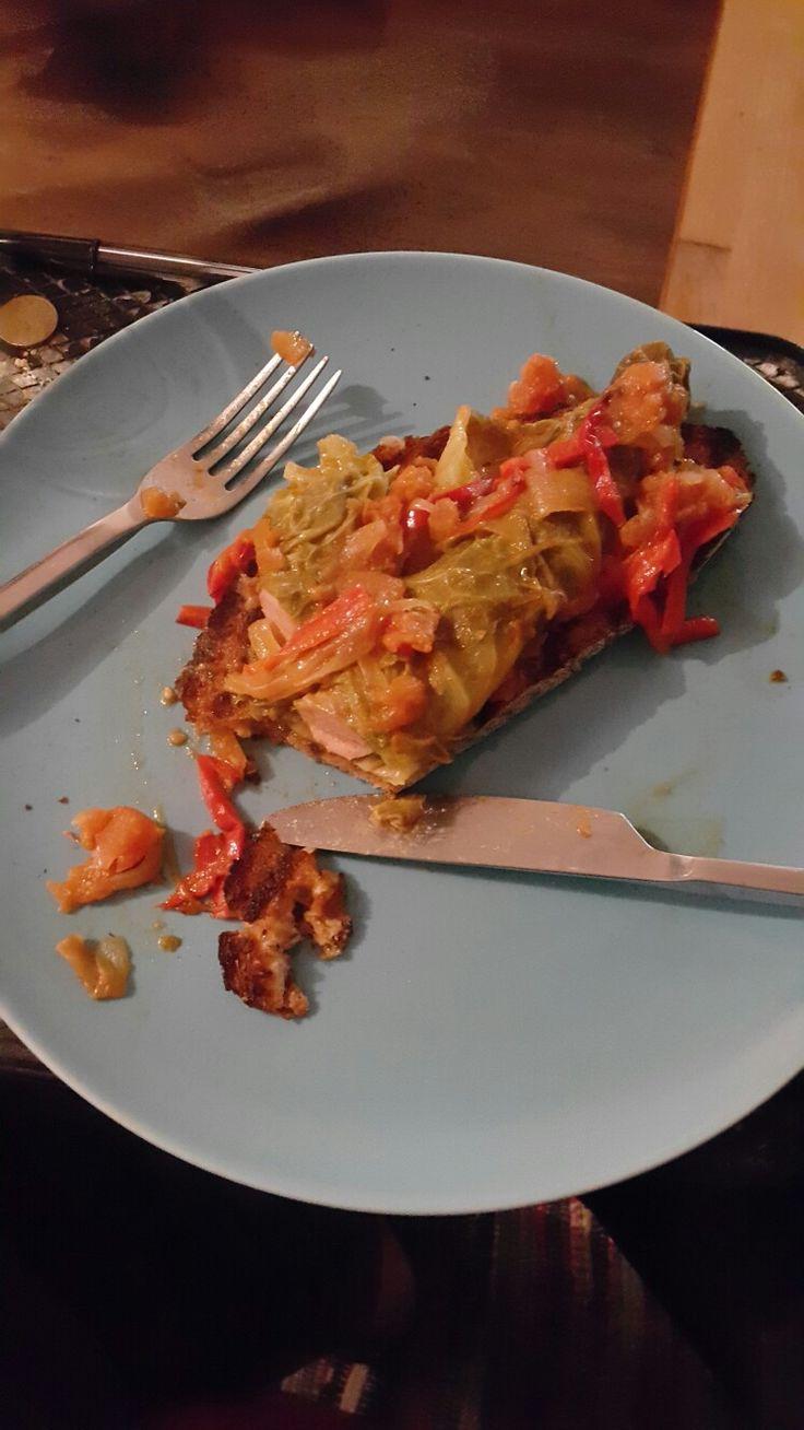 Salsicha em couve lombarda  Bruscheta da Naia