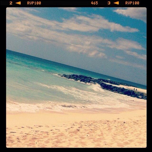 Spiaggia bianca e acqua cristallina...