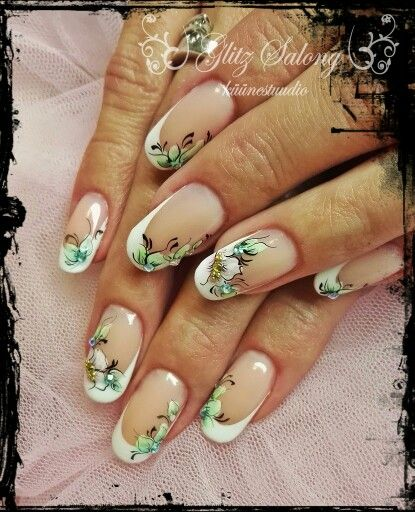 aquarelle flowers on nails. Made by me