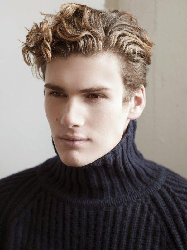 Curly Hairstyle For Medium Length Hair Men S Curly Hairstyles Curly Hair Men Wavy Hair Men