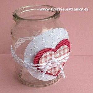 Romantický svícen se srdíčkem si můžete zapálit na sv. Valentýna, nebo kdykoliv jindy. Jeho výroba j...