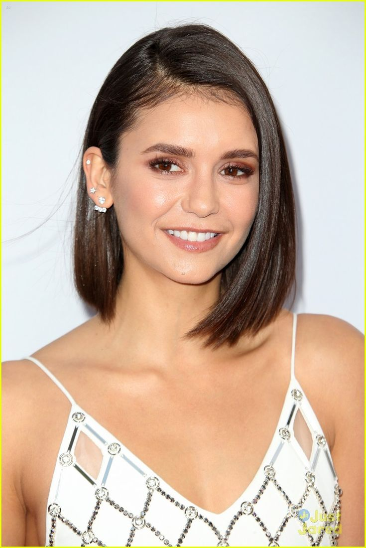 die besten 25 nina dobrev haar ideen auf pinterest nina. Black Bedroom Furniture Sets. Home Design Ideas
