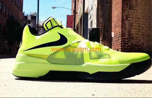 New Kevin Durant shoes KD IV Volt Signed for Bun B s Wife Queenie