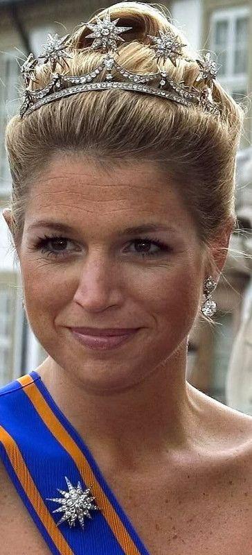 la tiare de son mariage portée lors de deux autres mariages princiers , celui de Martha-Louise de Norvège et celui de Frédérick de Danemark