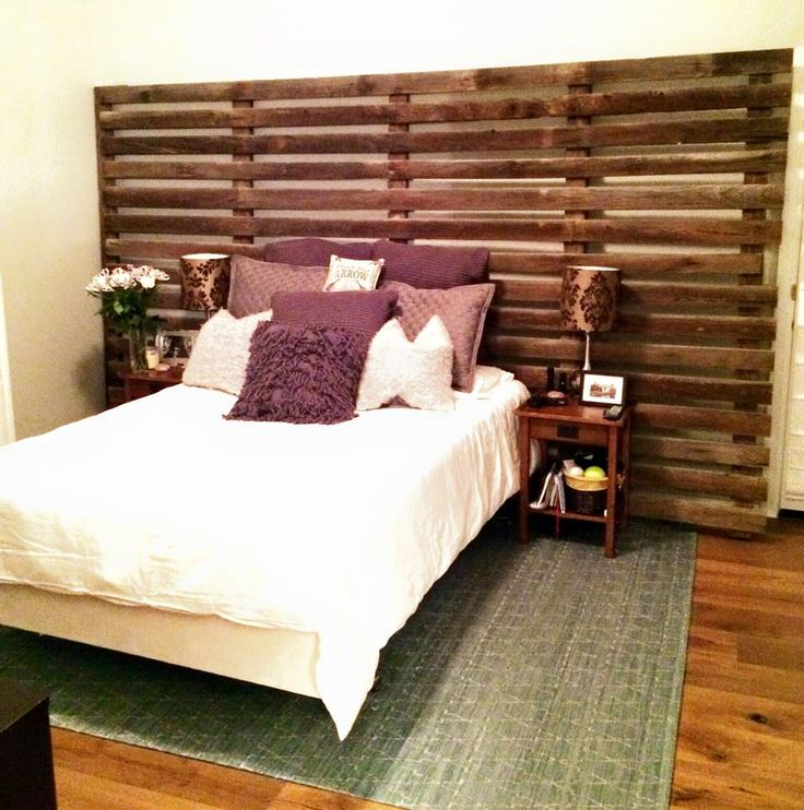 Great Use Of Barn Wood Corn Cribbing Wall Super Unique