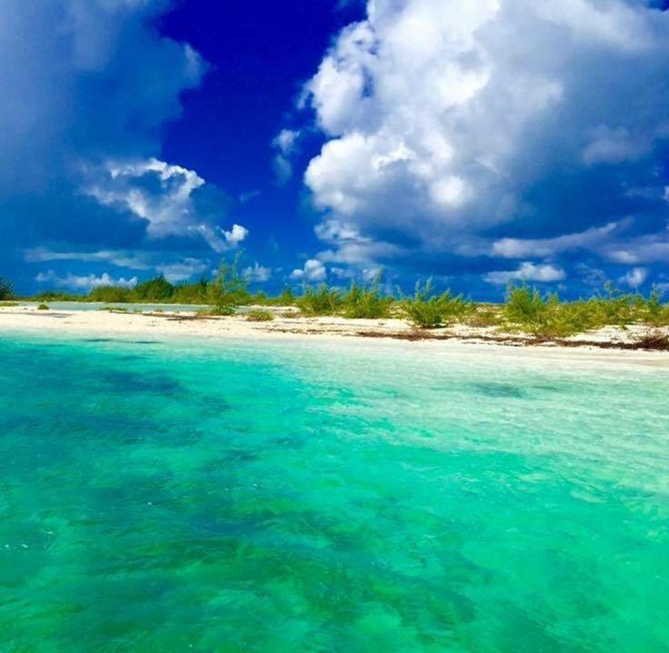 Grace Bay (Providenciales, Turks- und Caicosinseln)