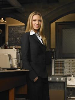 Olivia Dunham - one of the best women characters on television.  She's strong, smart, independent and powerful.  She is a protagonist that isn't just seeking romance.  #MediaWeLike