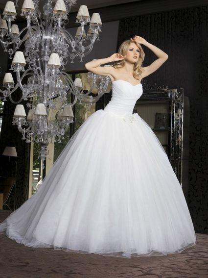 ... robe de mariée style princesse robe de mariée disponible en ivoire