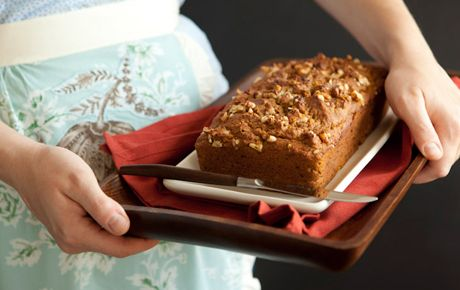 Serve this honey-sweetened bread, made with whole wheat pastry flour and oat bran, for breakfast or as a dessert or snack. Package for gift giving with our downloadable gift tag.