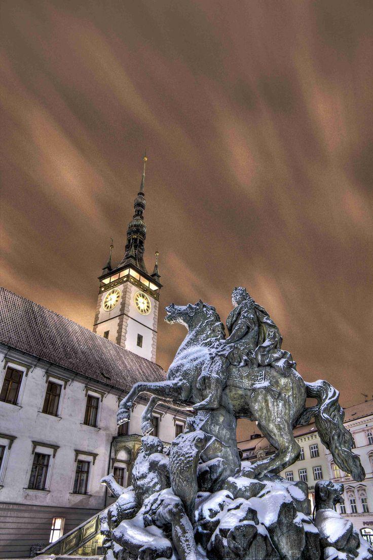 Caesarova kašna/Caesar Fountain - Caesar Fountain is the most popular and artistically-unique fountain in Olomouc. Its sculptures present the town's great founder – Gaius Julius Caesar.