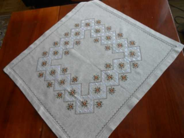 embroidery designs for tablecloth