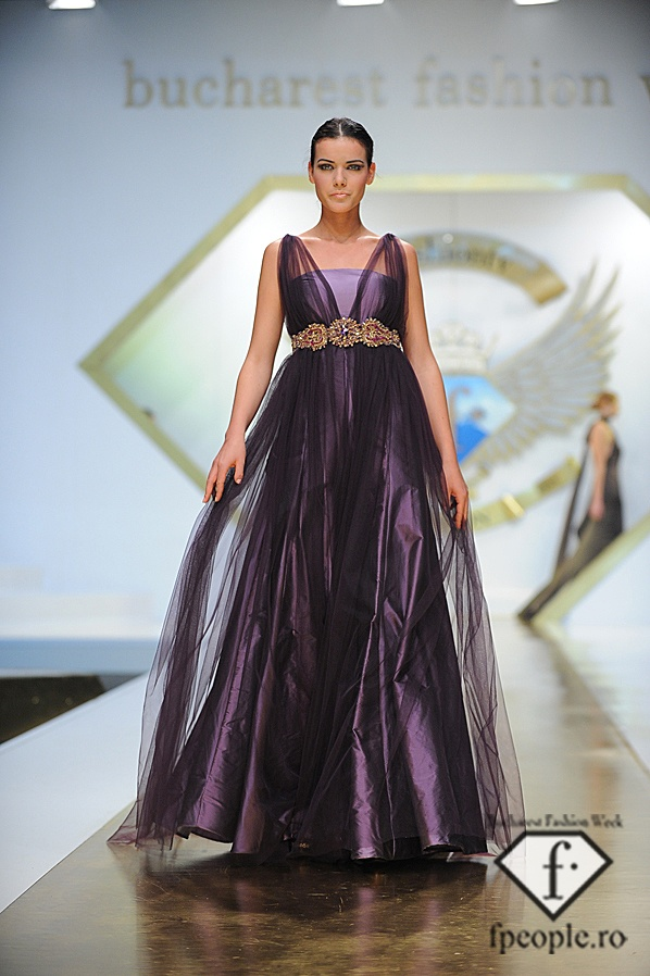 Giada Curti - Bucharest Fashion Week - Decembrie 2011