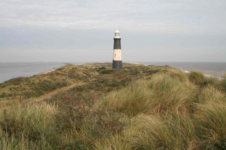 Alice was Artist in Residence at Spurn National Nature Reserve, East Yorkshire during 2012. Over a six-month period Alice engaged with and responded creatively to the unique landscape of Spurn. The…