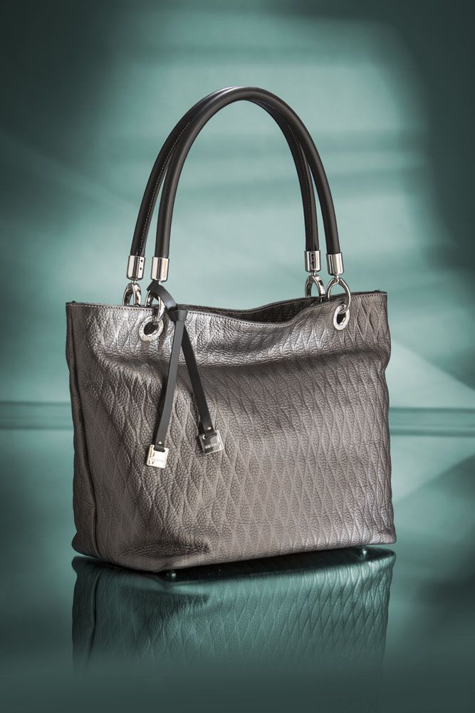 something new from our #collection! #Luxurious, #sporty & #trendy metallized leather!