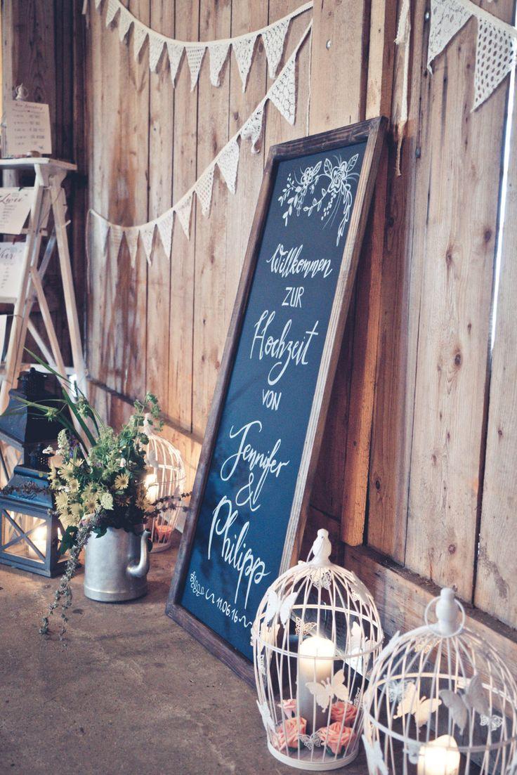 Tafel Schild bei der Hochzeit.  Chalkboard at Wedding.   Foto: Viktor Schwenk Photographie