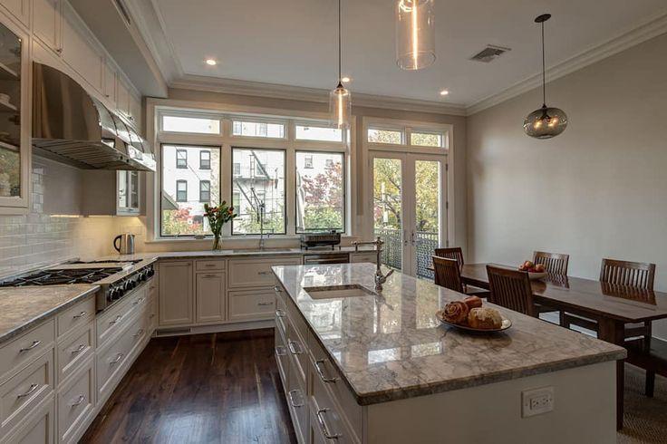 Cucina in stile in stile Coloniale di Ben Herzog Architect