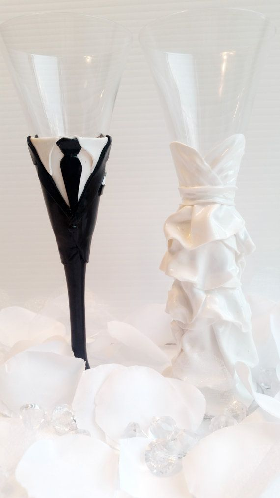 Bride & Groom personalized champagne flutes! Her beautiful dress... on a glass...the most beautiful bridal shower gift she could ask for!