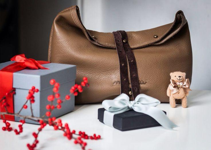 Leather Clutch bag. www.maruuleather.com Thank you Rita from www.femmefarfalle.com