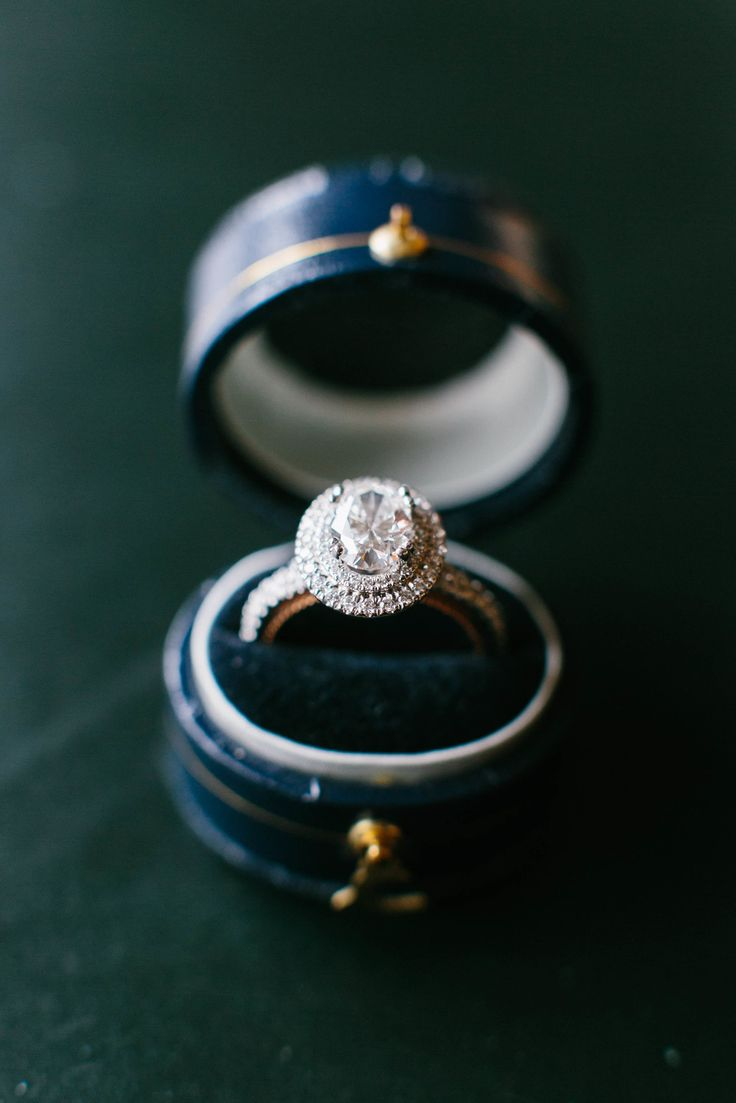 How to Include Your Girlfriend's Mom in the Engagement and Ring Shopping | Brides.com