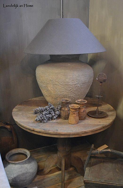 Mooie grote wijntafel oud hout