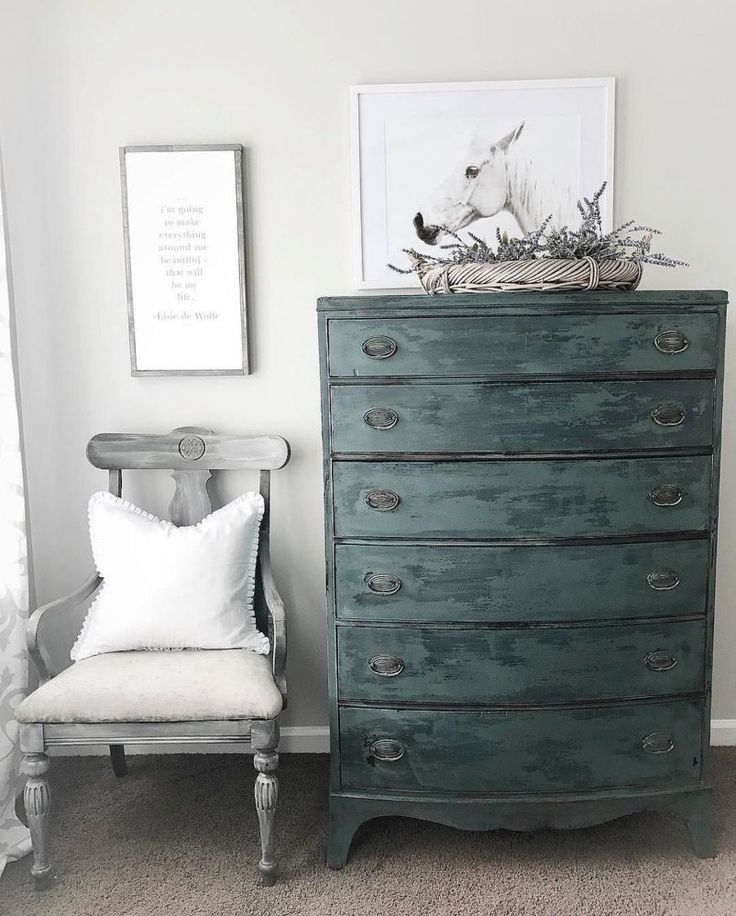 What is It About Old Barn Milk Paint in Farmstead That Has Us Swooning