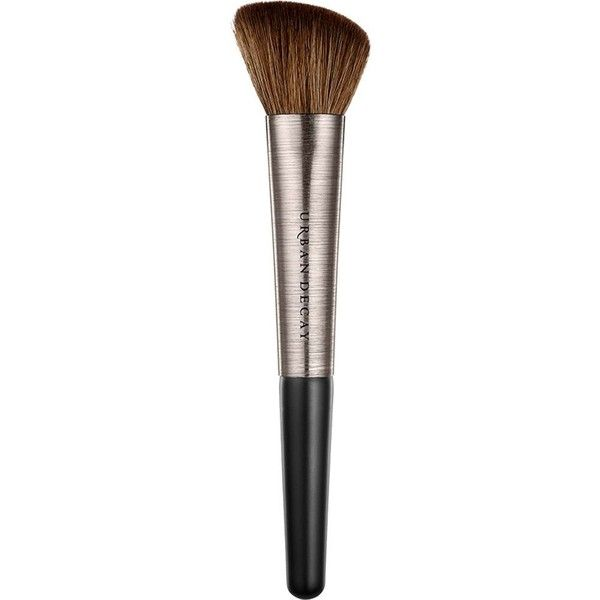 URBAN DECAY Contour definition brush (€26) ❤ liked on Polyvore featuring beauty products, makeup, makeup tools, makeup brushes, urban decay, slanted makeup brush, urban decay makeup brushes and angled makeup brush